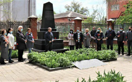 Вшанування пам'яті загиблих воїнів у Другій світовій війні викладачами ННІ МСМ