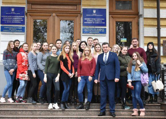 Вітання голові студентського парламенту!